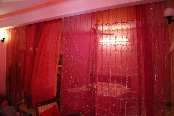 Mein Zimmer für die ersten drei Tage war ein schöner Kontrast zu meinem Hotel in Delhi.