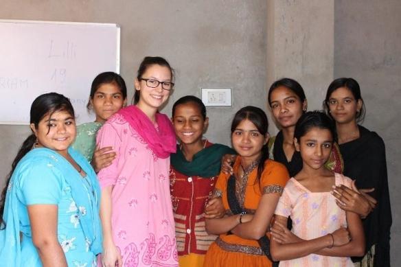 Ein paar meiner Schülerinnen an meinem ersten Unterrichtstag