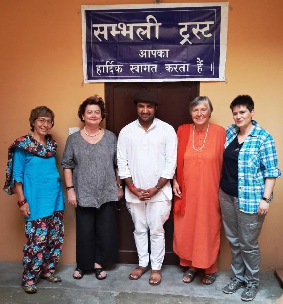 v.l.: Renate Massmann-Krei, Sarah Harrington, Govind Singh Rathore, Dr. Sadhvi Shanti Puri, Natalie Aebischer